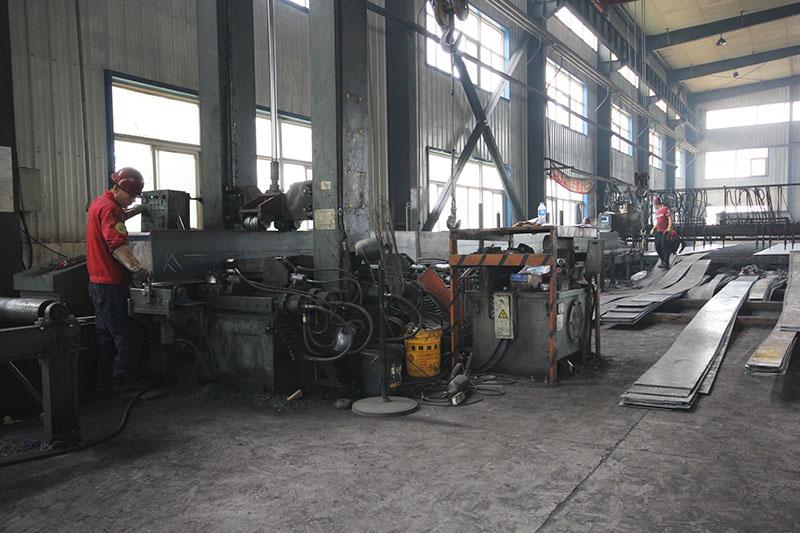 辽阳杨春代表大乘实业考察沈阳钢结构厂家